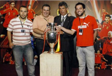 Año 2008. Enviados de Punto Radio a la Celebración Eurocopa en la R.F.EF.